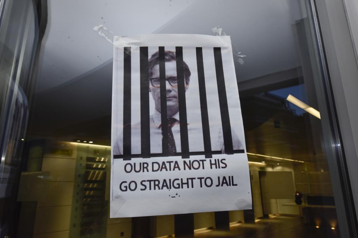 Vchod do budovy Cambridge Analytica