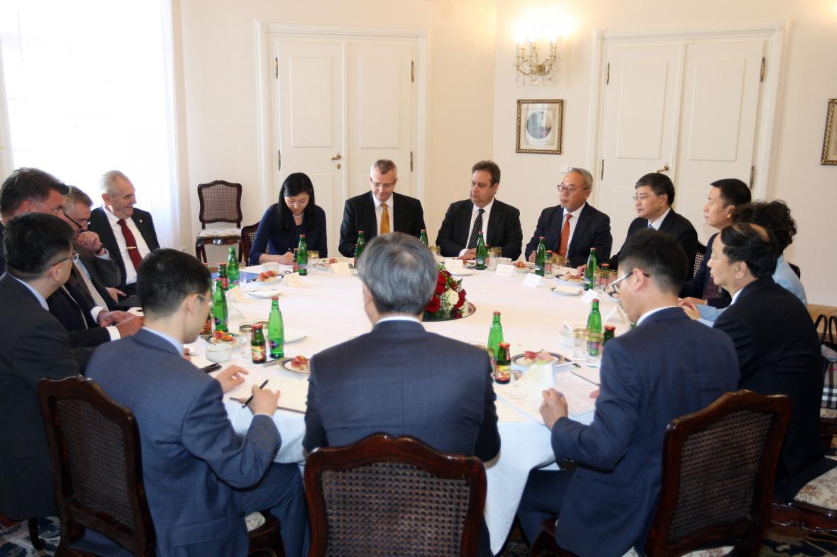 Delegace čínské skupiny CITIC u prezidenta Zemana.
