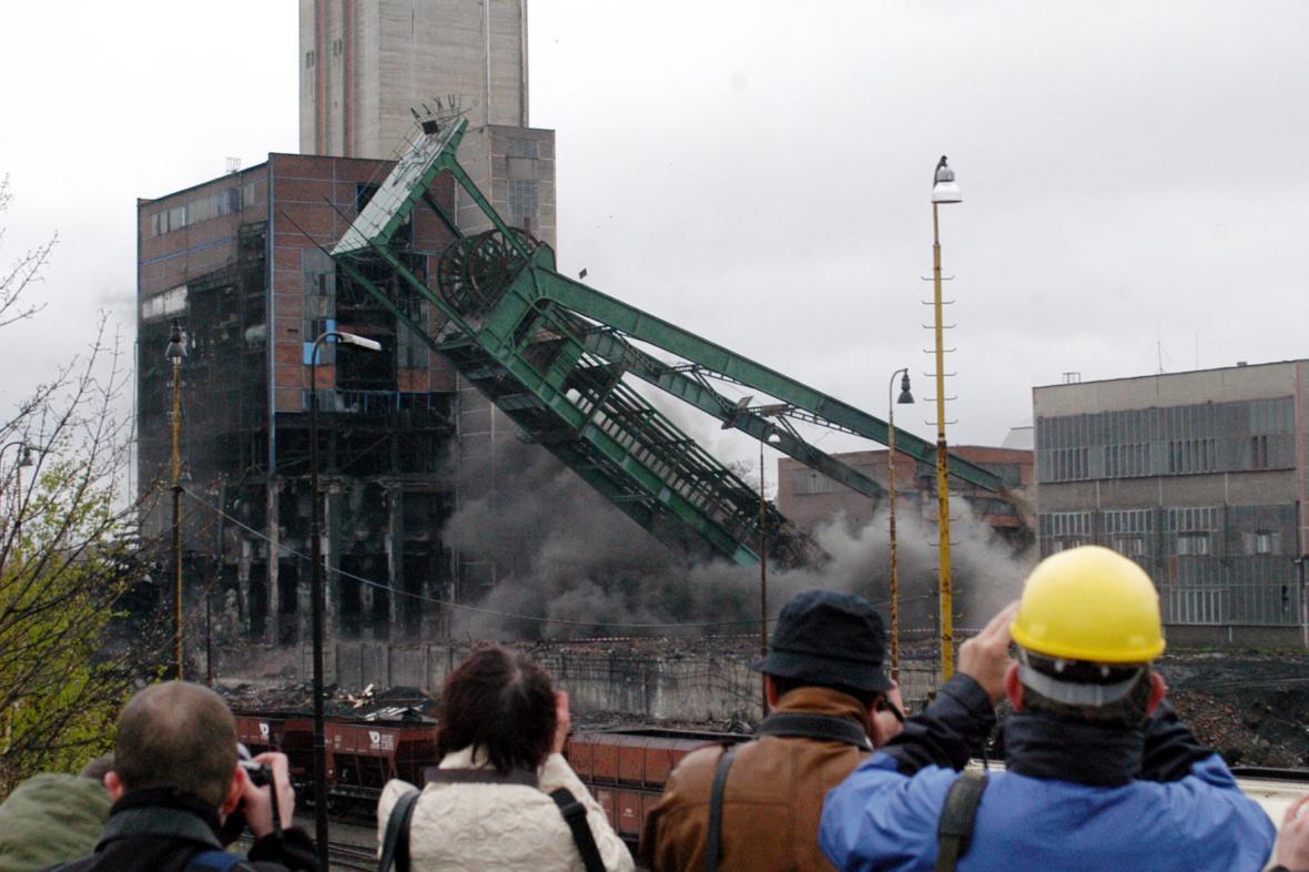 Těžní věž Dolu Dukla šla k zemi před 10 lety
