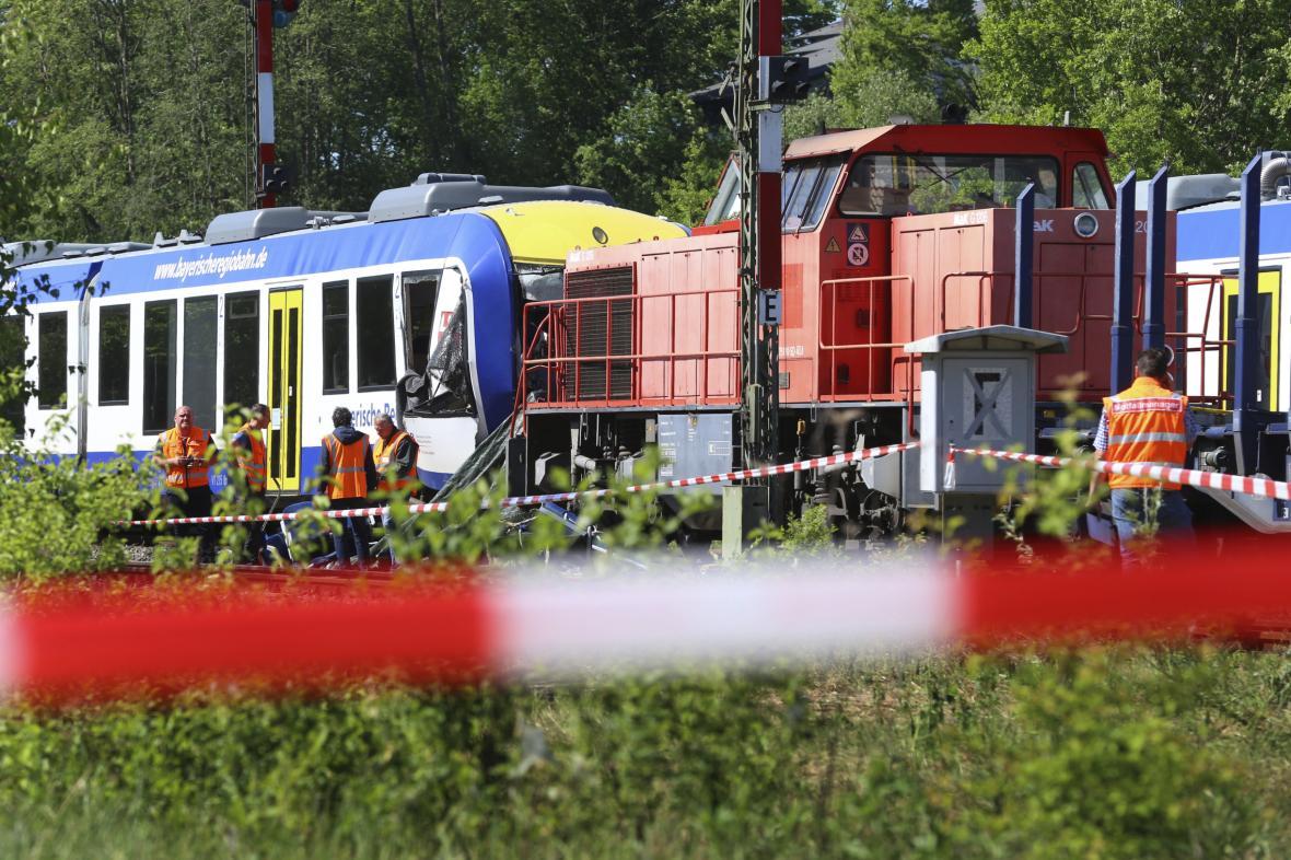 Srážka nákladního a osobního vlaku v Aichachu