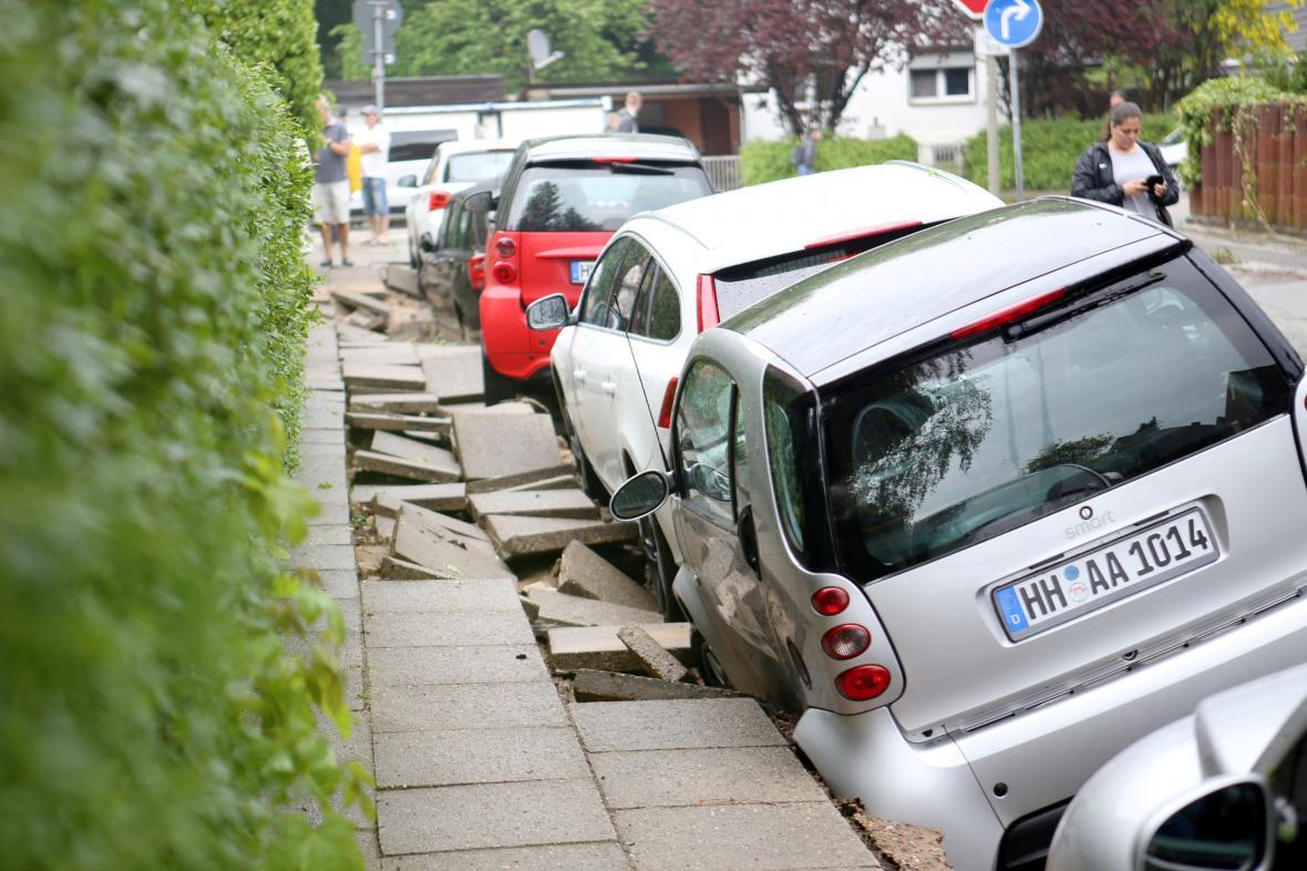 Následky prudkých lijáků v Hamburku