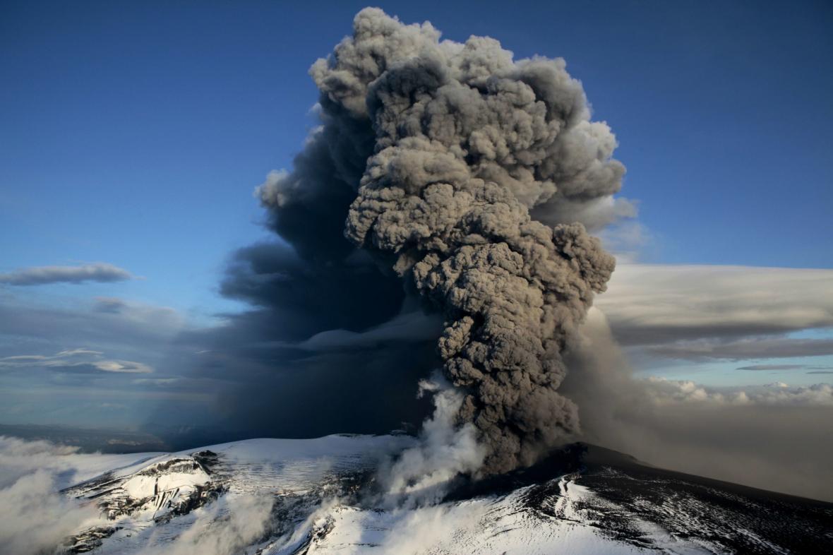 Islandská sopka Eyjafjallajökul