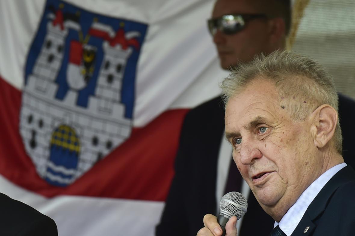 Miloš Zeman na návštěvě v Bílině na Teplicku