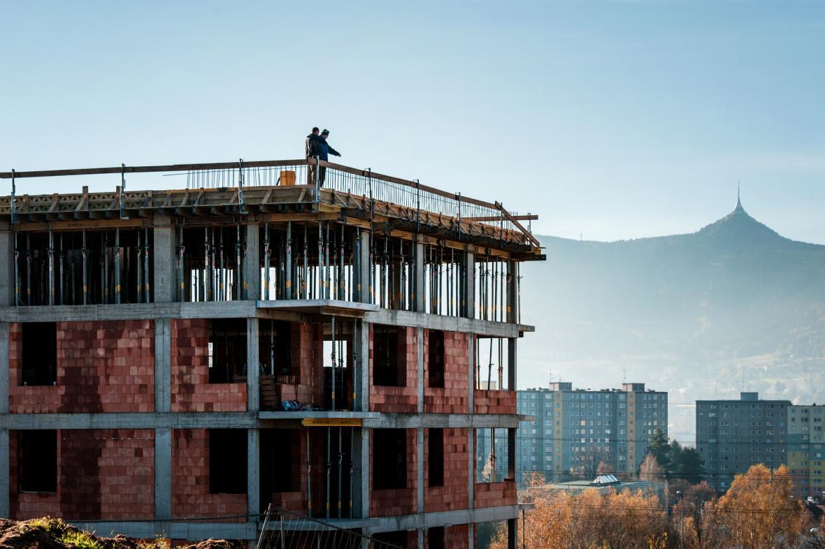 Stavba bytového domu v Zeleném údolí v Liberci