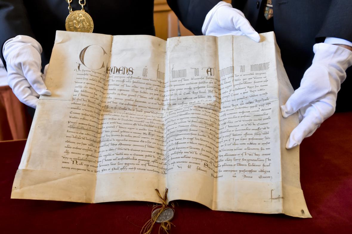 Papežský souhlas se založením vysokého učení v Praze