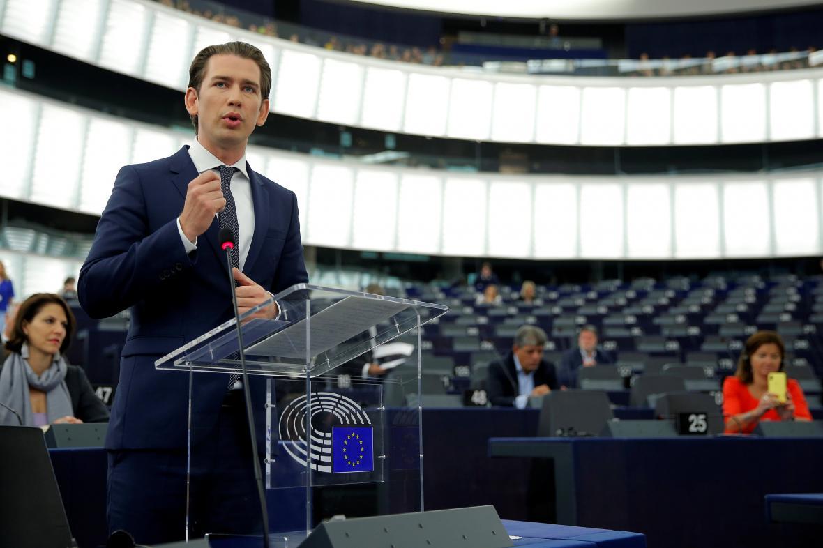 Rakouský kancléř Sebastian Kurz na debatě v Evropském parlamentu