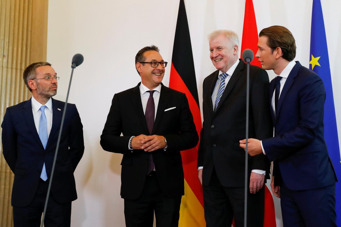 Horst Seehofer přijel do Vídně představit německá opatření při řešení migrace