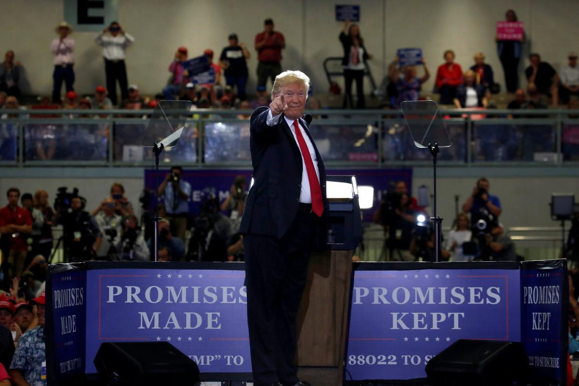 Donald Trump během mítinku v Monatně