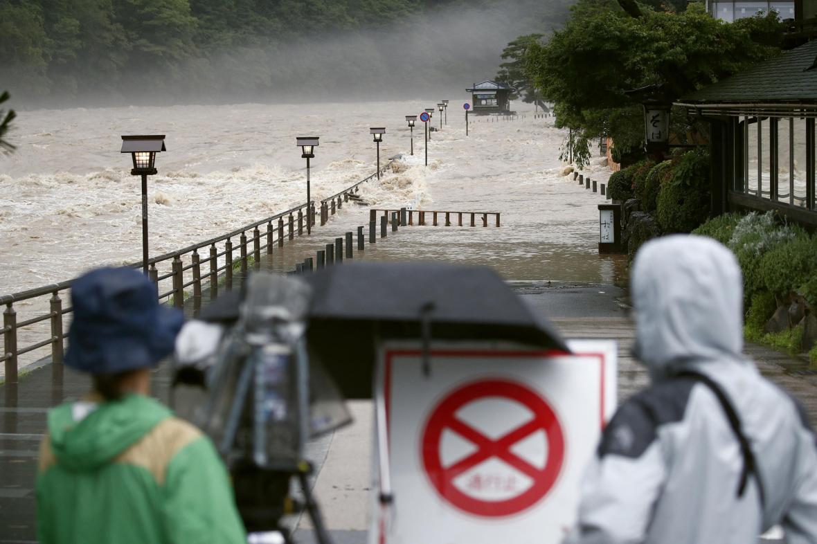 Japonsko zasáhly prudké deště
