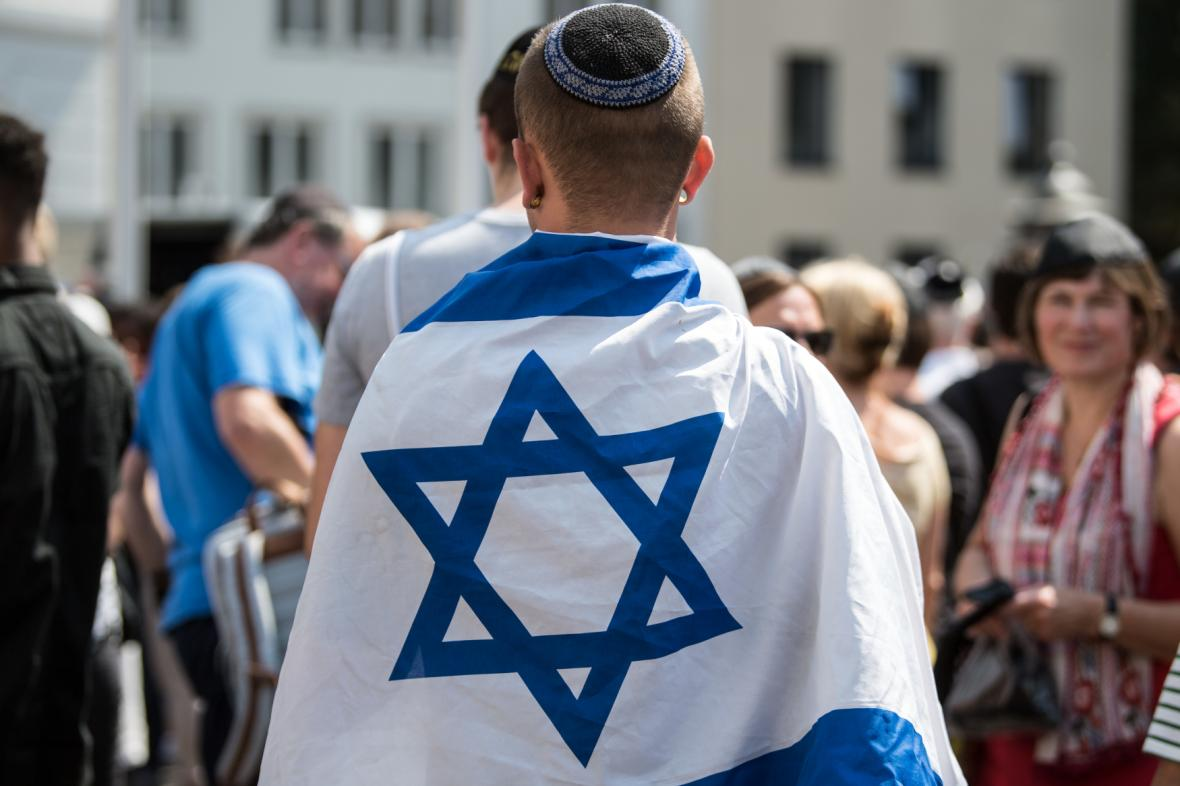 Demonstrace proti antisemitismu v Bonnu