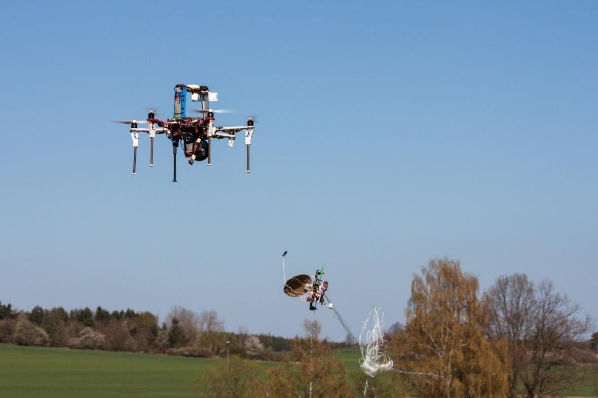 Systém na zachytávání dronů