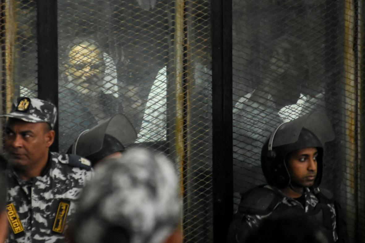 Proces se stoupenci svrženého prezidenta Mursího