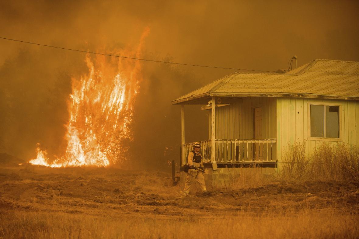 Vlny veder znamenají vyšší riziko požárů