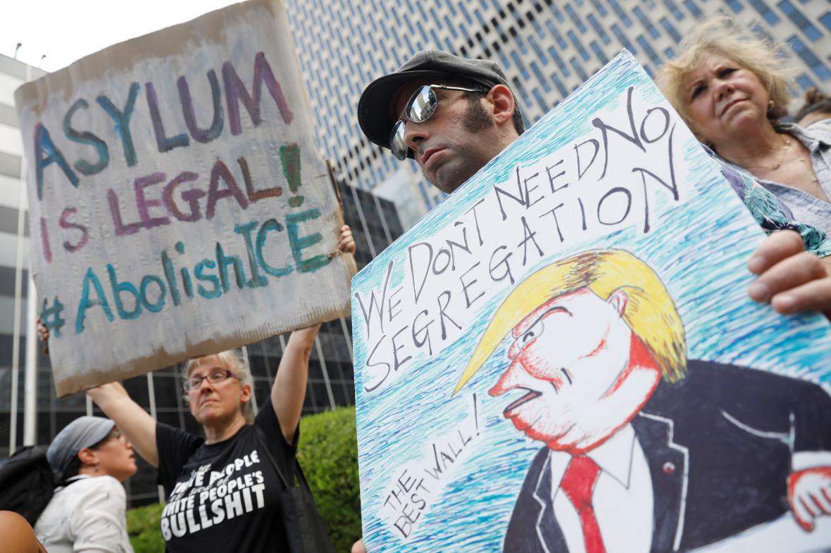Protest proti imigrační politice USA
