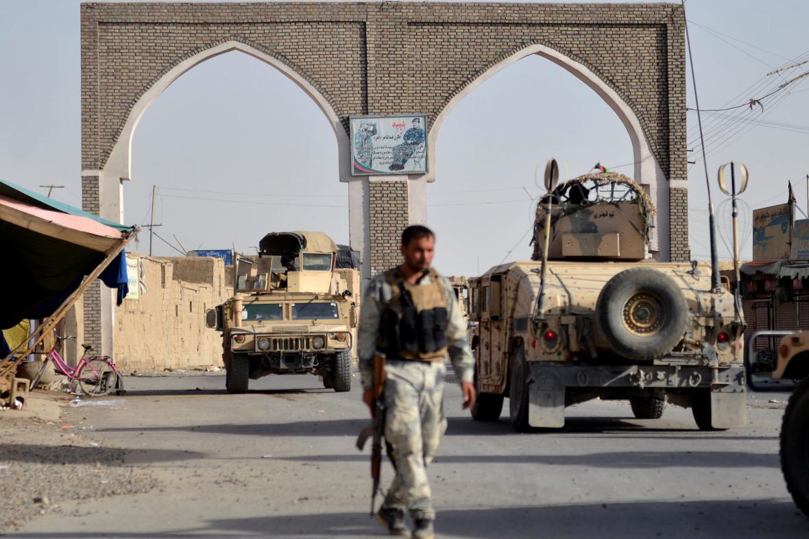 Člen afghánských bezpečnostních jednotek v Ghazní