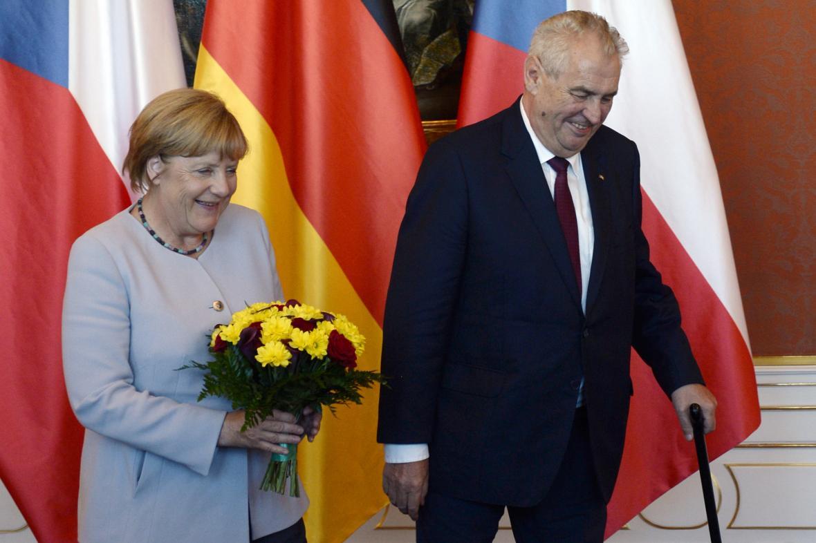 Angela Merkelová a Miloš Zeman (srpen 2016)