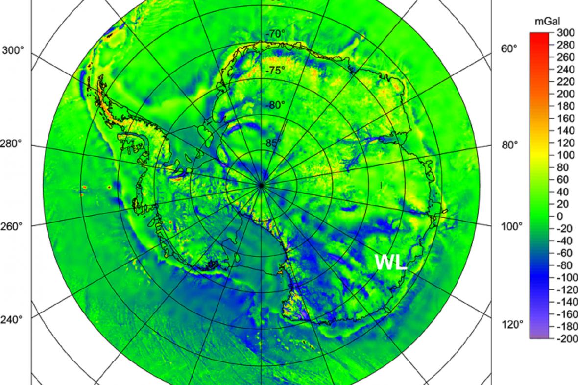 Hodnoty gravitačních poruch na území Antarktidy