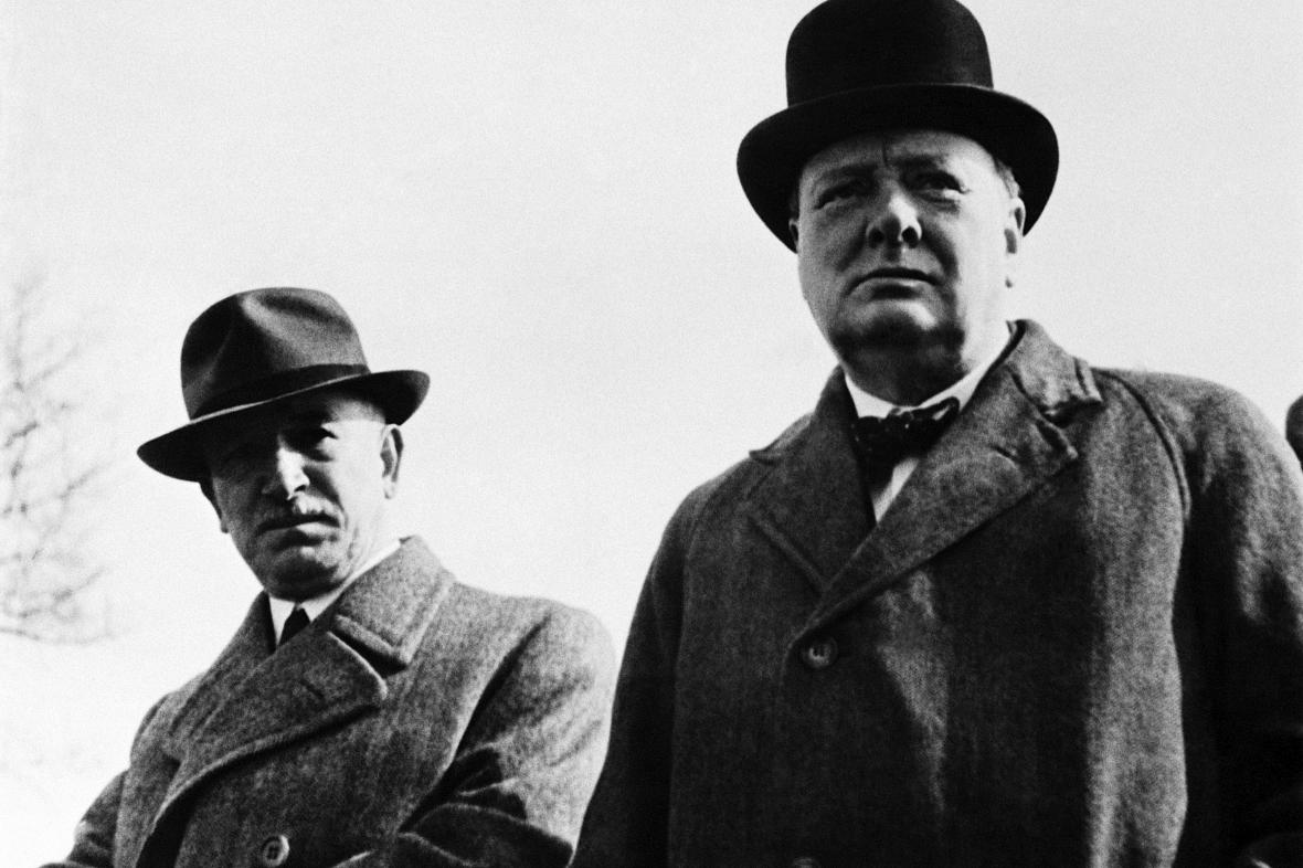 Edvard Beneš a Winston Churchill na fotografii z dubna 1944