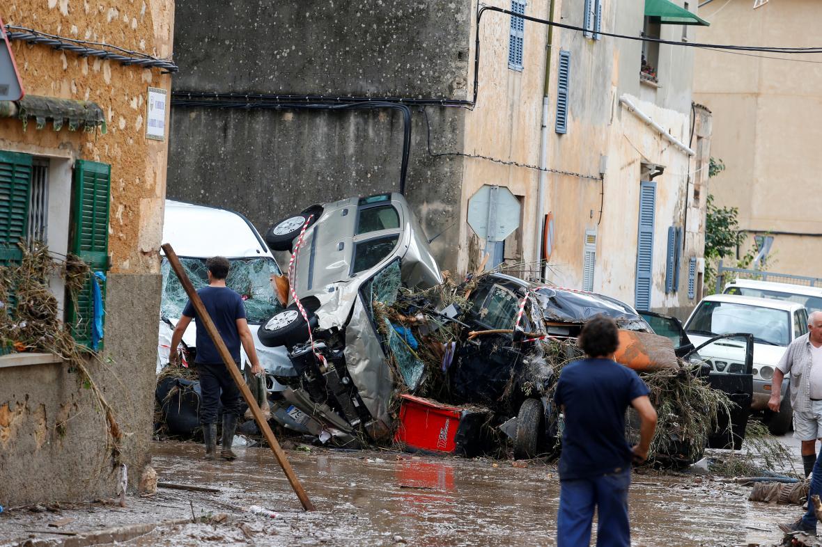 Následky záplav v Sant Llorenc de Cardassar na Mallorce