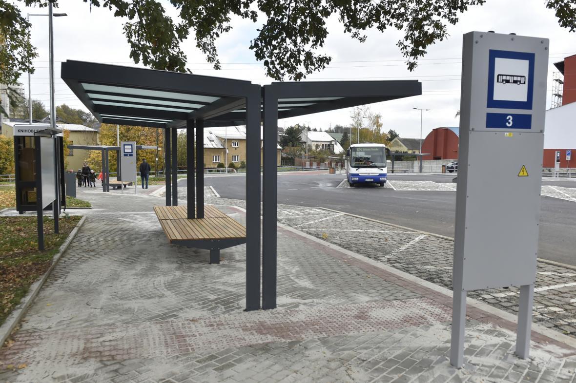 V Bílovci skončila rekonstrukce autobusového nádraží
