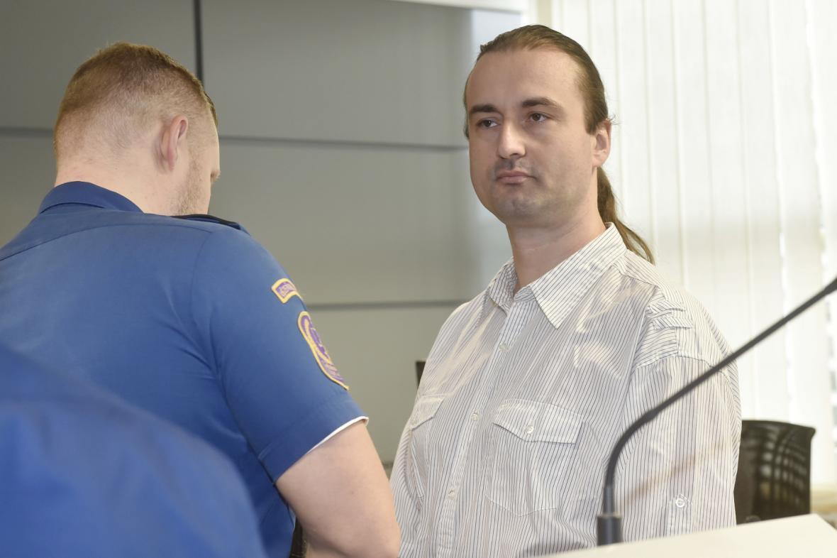 Obžalovaný řidič Josef Ondrýsek (vpravo)