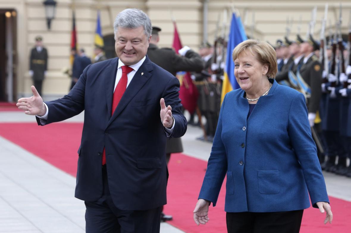 Angela Merkelová a Petro Porošenko