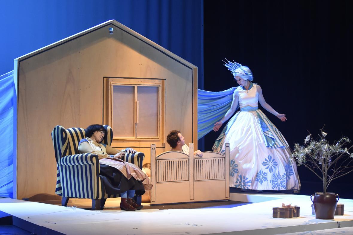 Sněhová královna svede s Gerdou boj o Káje