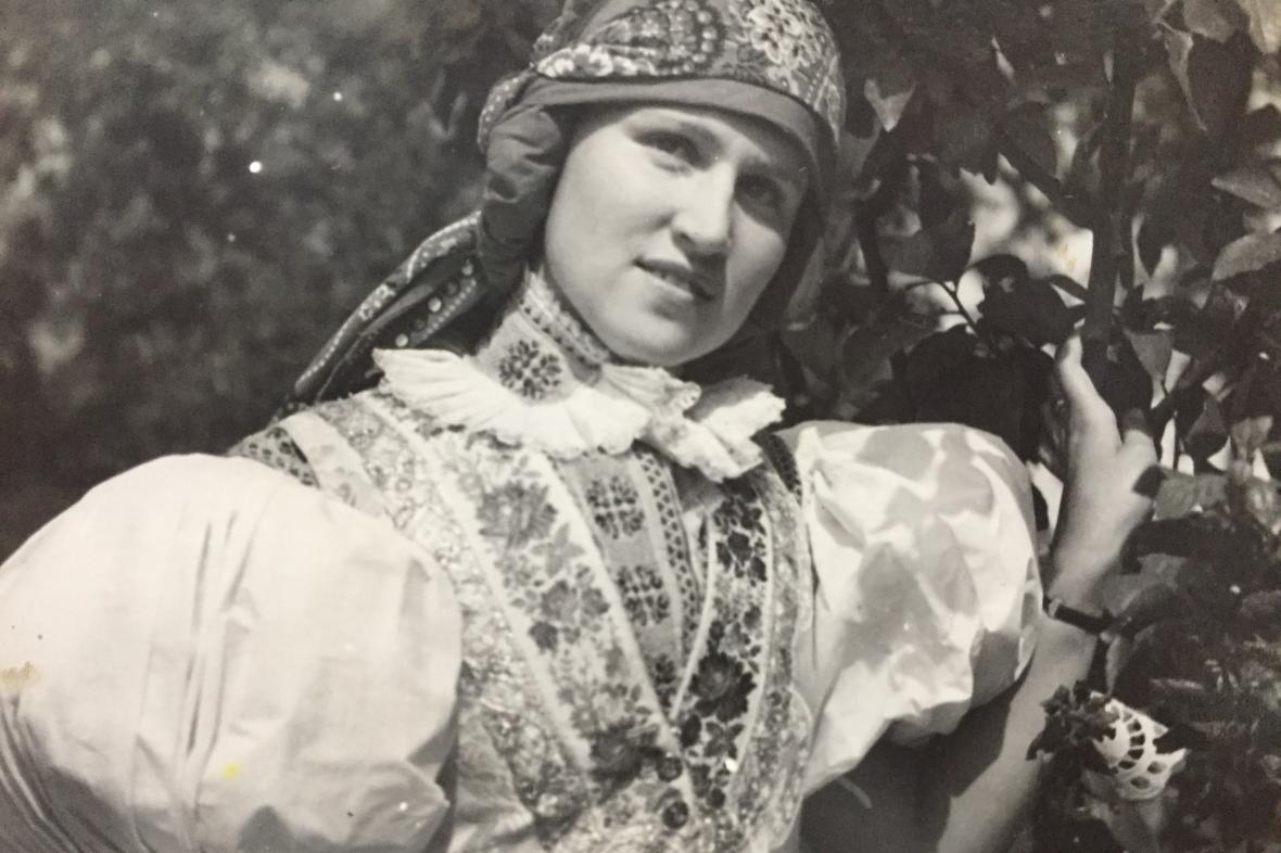 Růžena Bunžová na Výstavě Slovácka v roce 1937