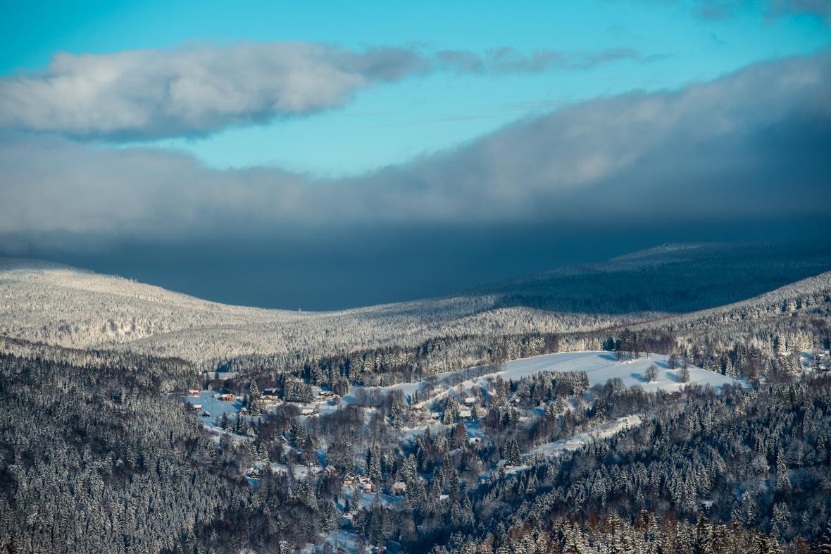 Zasněžená krajina v okolí Pustin