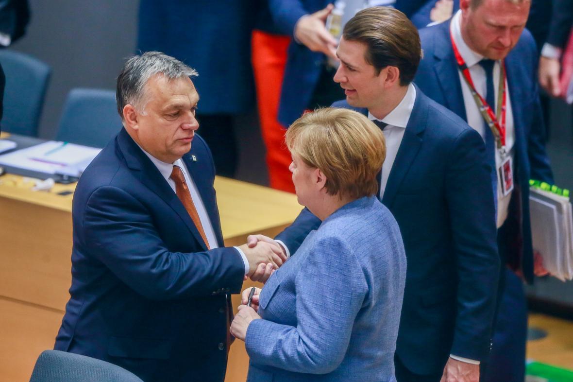 Německá kancléřka Angela Merkelová, rakouský kancléř Sebastian Kurz a maďarský předseda vlády Viktor Orbán