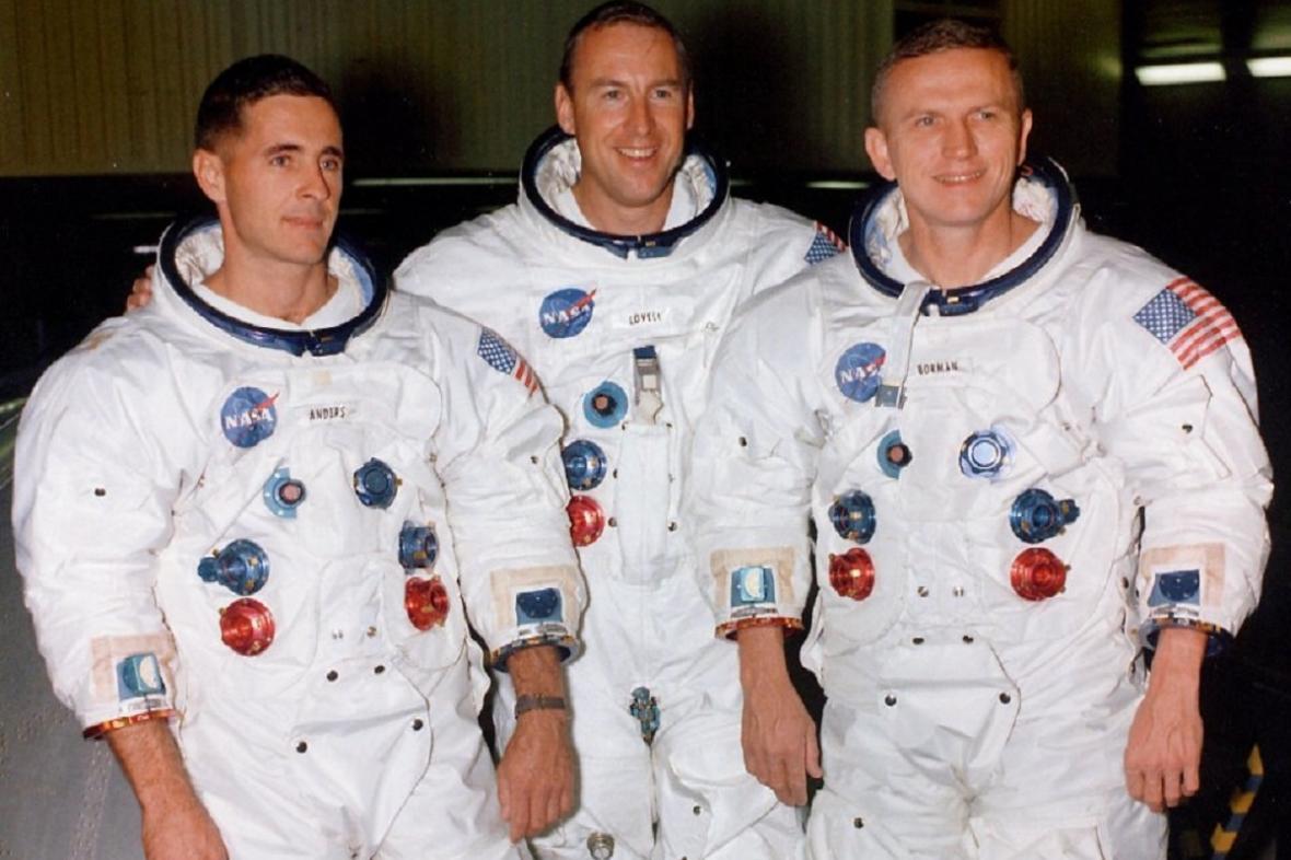 Posádka Apolla 8 - Anders úplně vlevo