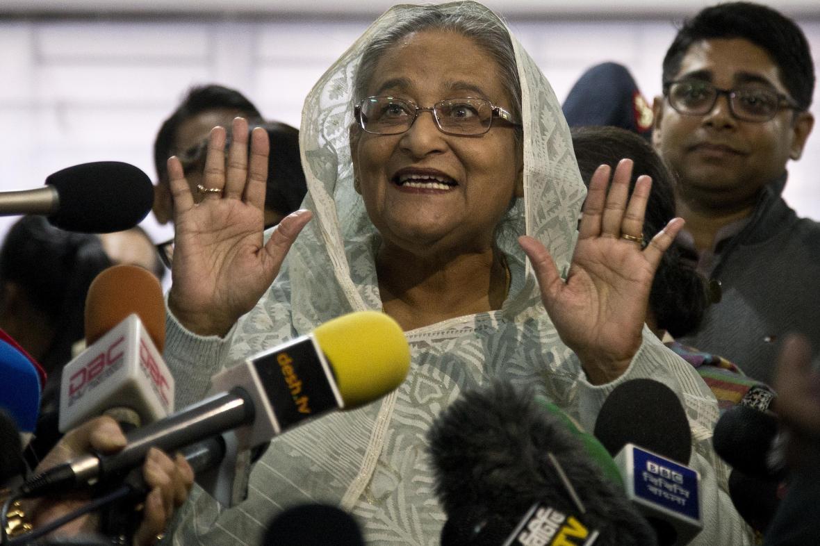 Hasína Vadžídová podle odhadů vyhrála bangladéšské parlamentní volby