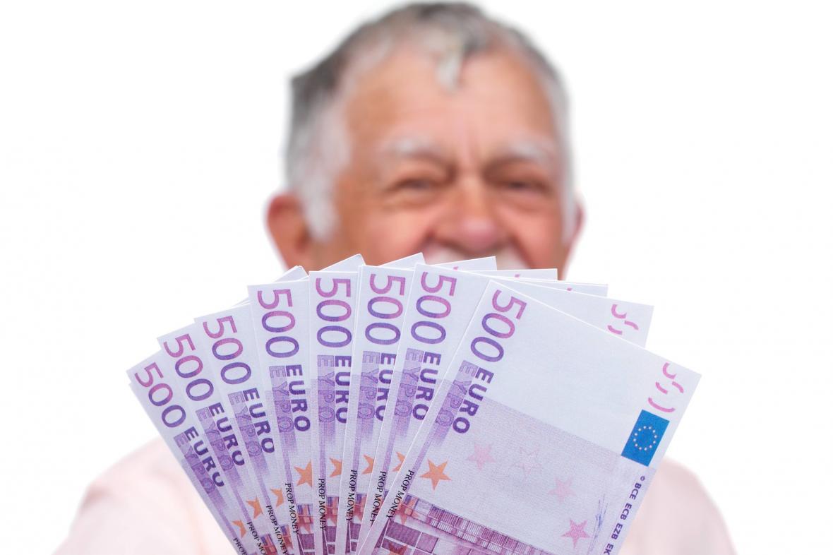 Pětiseteurové bankovky pomalu končí