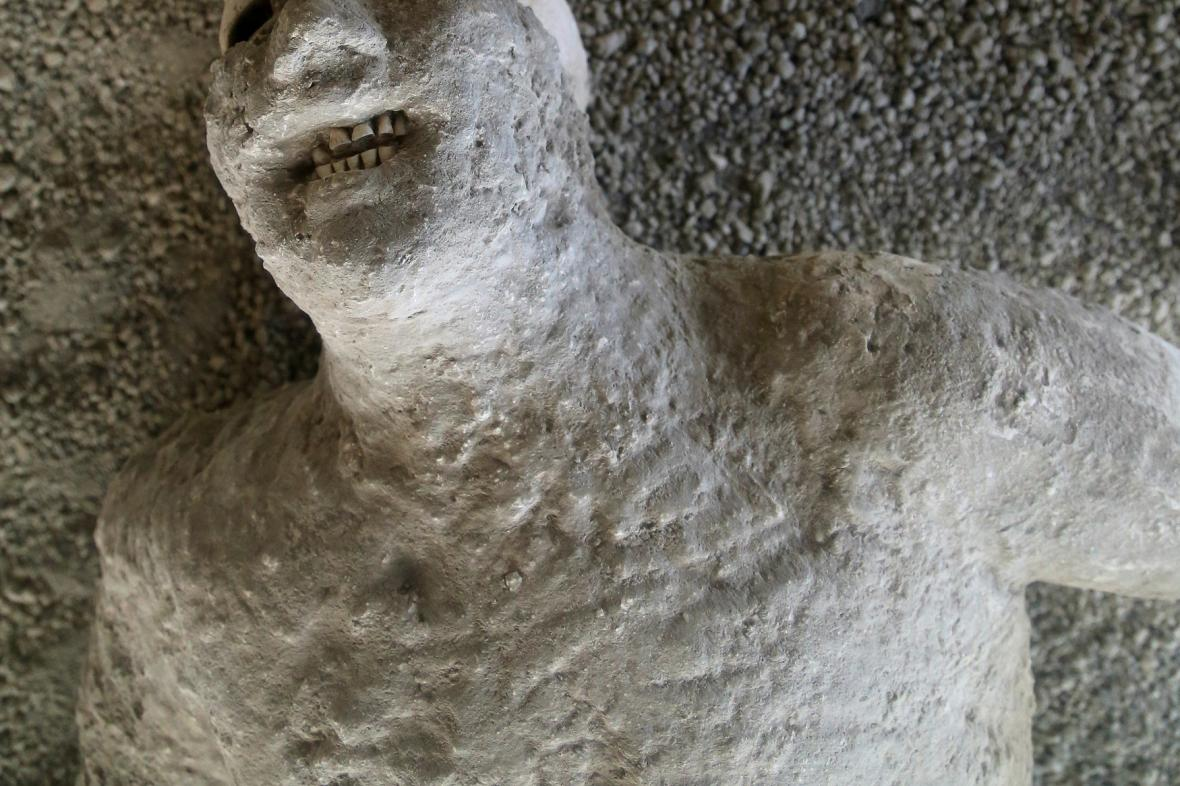 Letecký pohled na starobylé město Pompeje zachované ve vulkanickém popelu před téměř 2 000 lety.