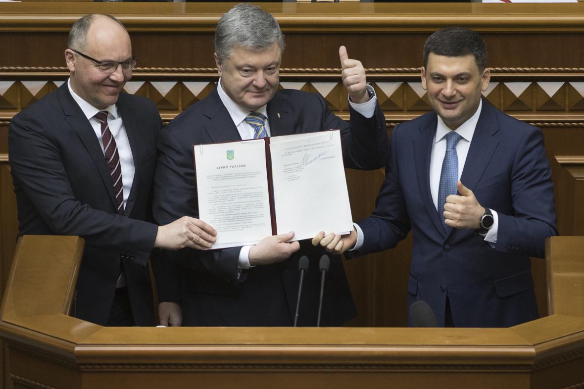 Petro Porošenko, Volodymyr Hrojsman a Andrij Parubij