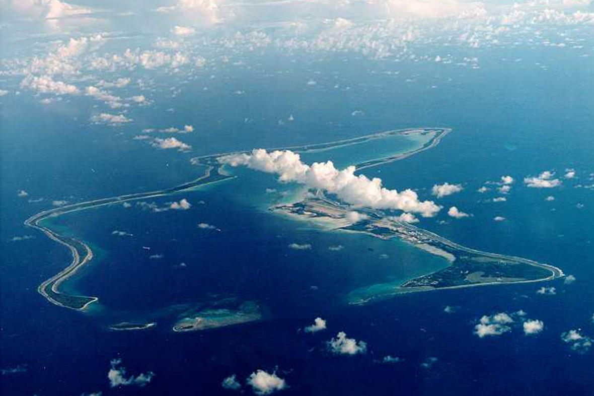 Letecký snímek ostrova Diego Garcia patřícího do Chagoského souostroví