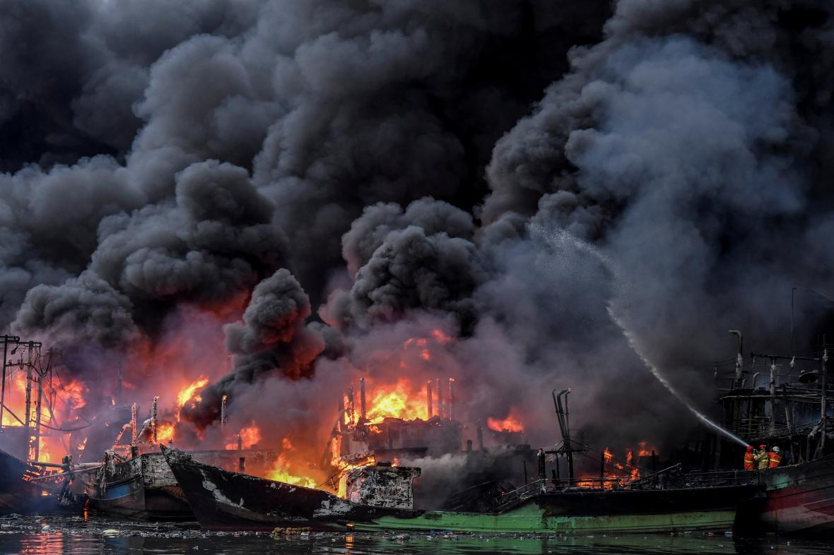 Lesní požár v Indonésii