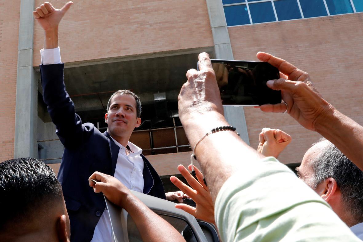 Juan Guaidó se vrátil do Caracasu