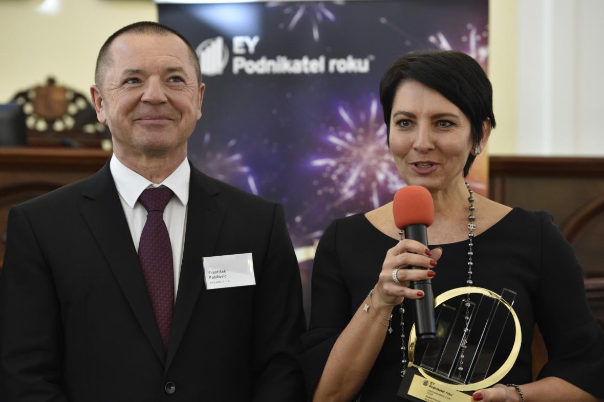 Radka Prokopová a František Fabičovic z firmy Alcaplast (na snímku při únorovém vítězství v JIhomoravském kraji)