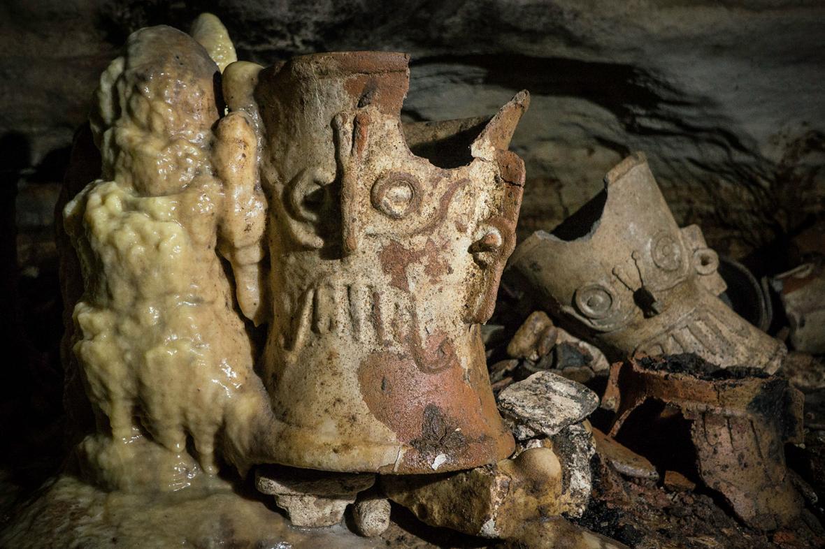 Nálezy z jeskyně Balamkú