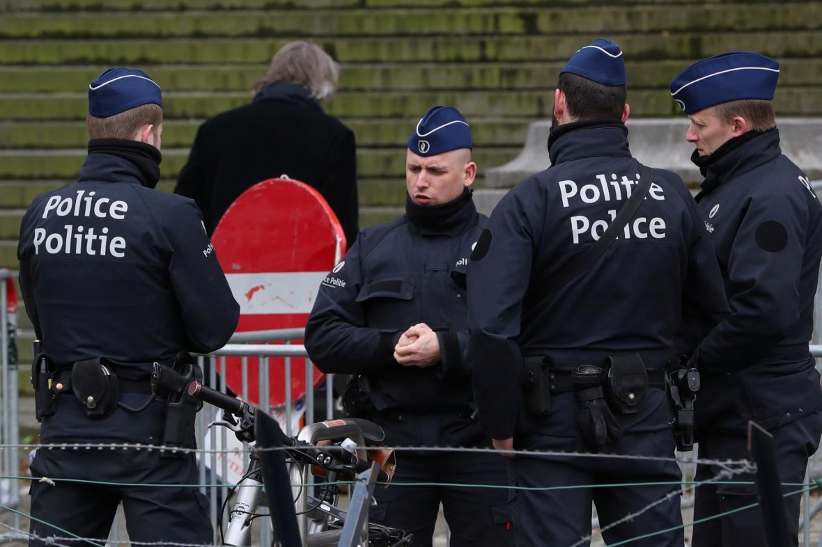 Belgičtí policisté před soudem v Bruselu