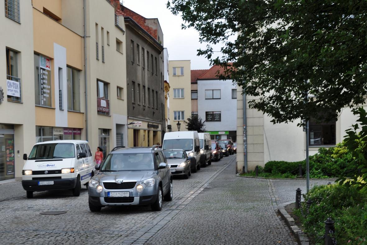 Současná situace v Jiráskově ulici