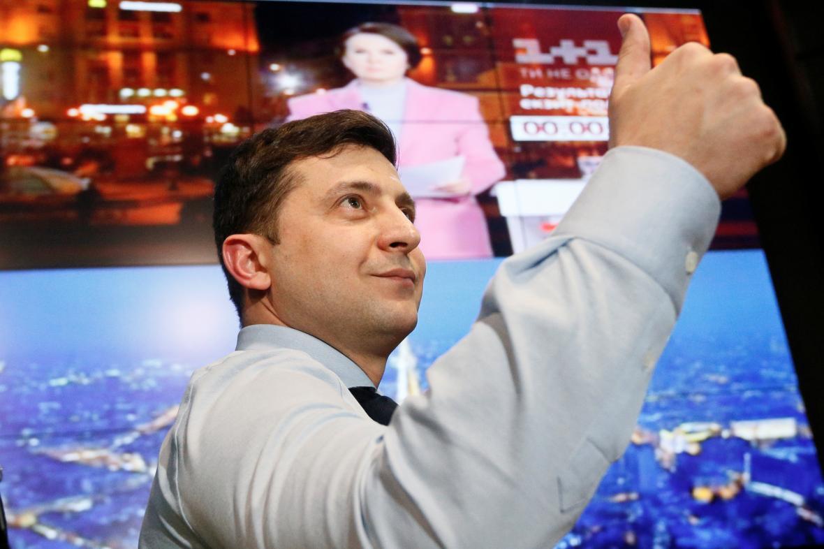 Volodymyr Zelenskyj ve svém volebním štábu