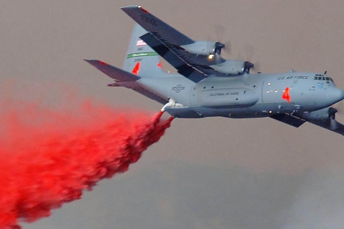 Hašení z letadla