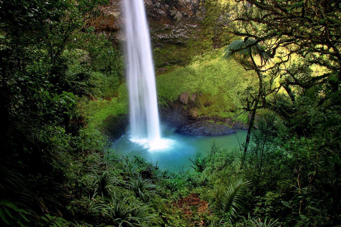 Vodopád Bridal Veil na Novém Zélandu