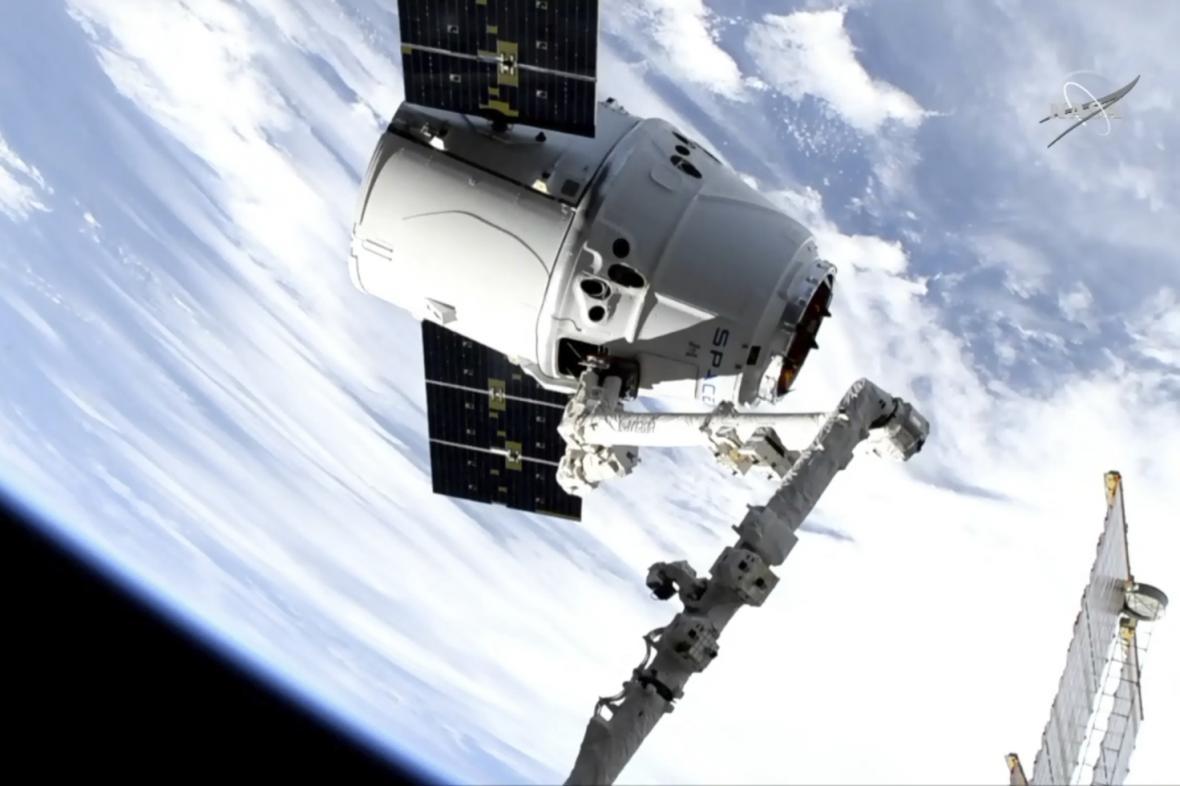 Dragon u ISS