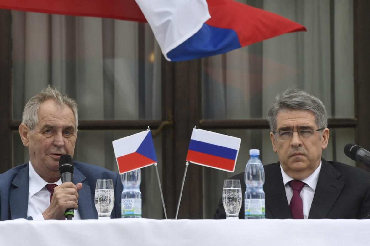 Miloš Zeman a ruský velvyslanec v ČR Alexandr Zmejevskij