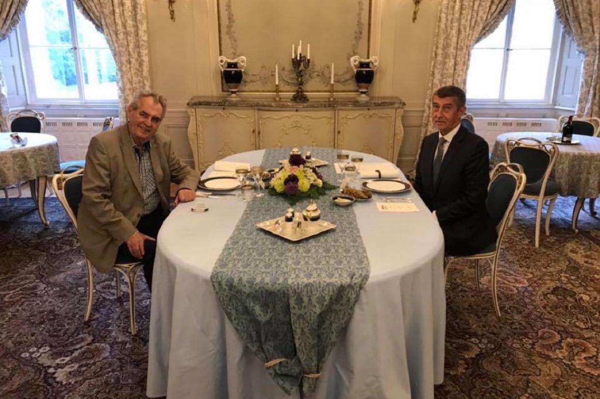 Prezident Miloš Zeman na veřeři v Lánech s premiérem Andrejem Babišem