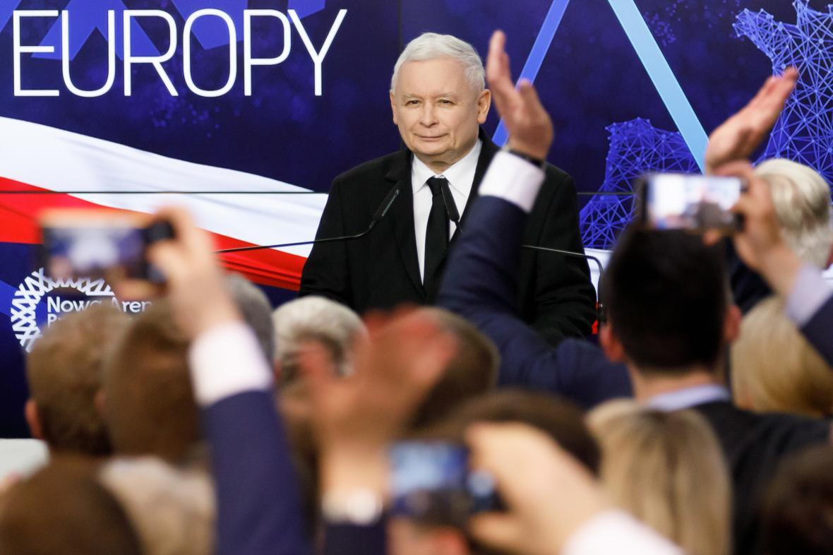 Jaroslaw Kaczyński během povolebního projevu