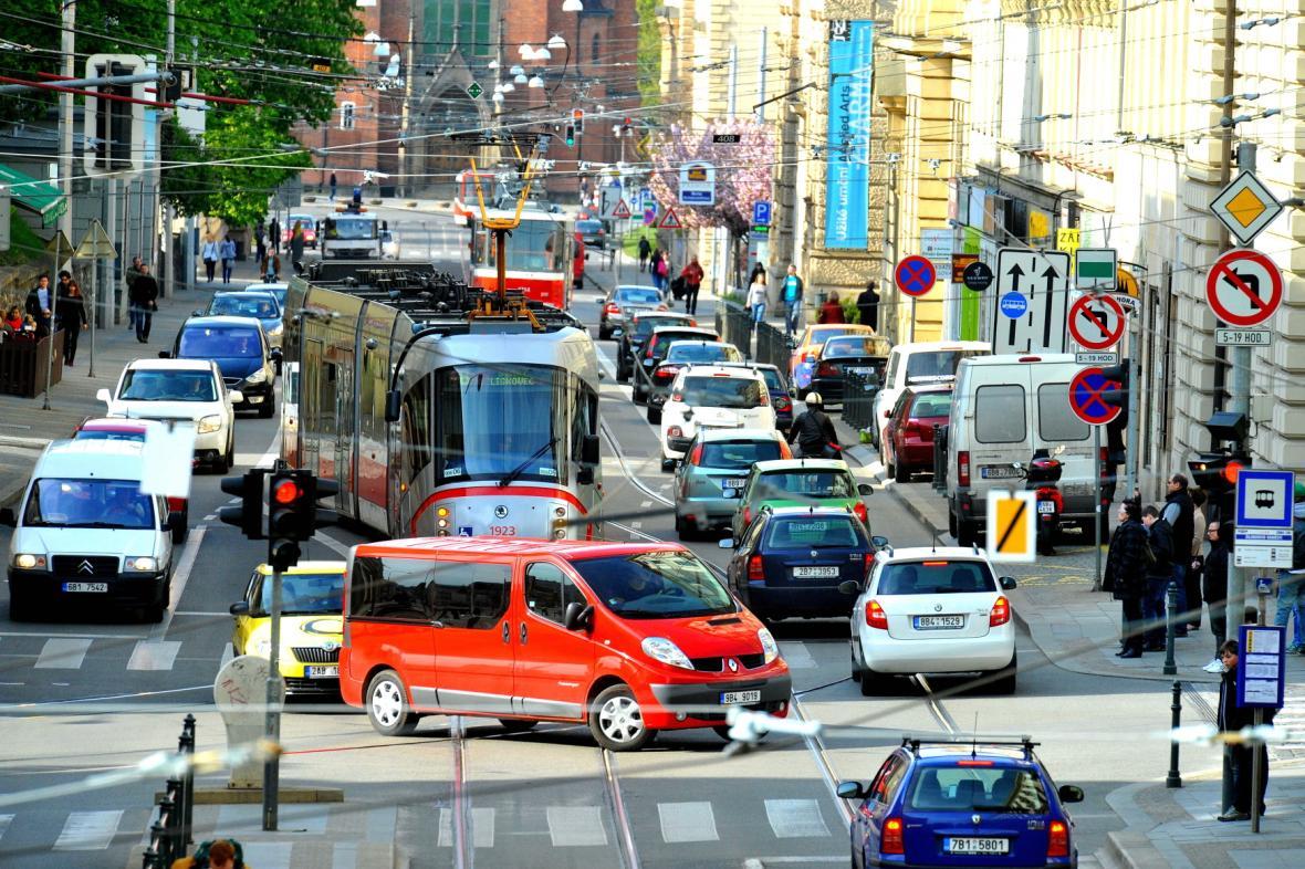 Doprava v Husově ulici